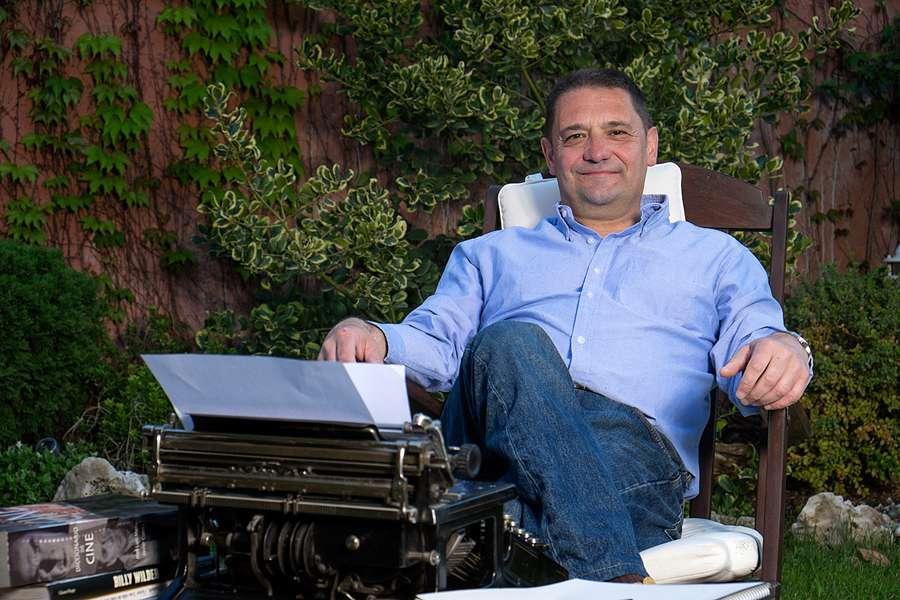 Javier Cuesta Moreno, candidato a la Alcaldía de ICxP
