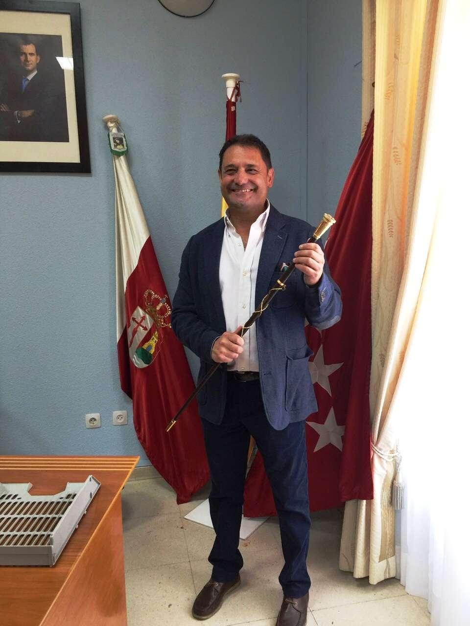 JAVIER CUESTA MORENO (ICxP) INVESTIDO COMO NUEVO ALCALDE DE PARACUELLOS DE JARAMA