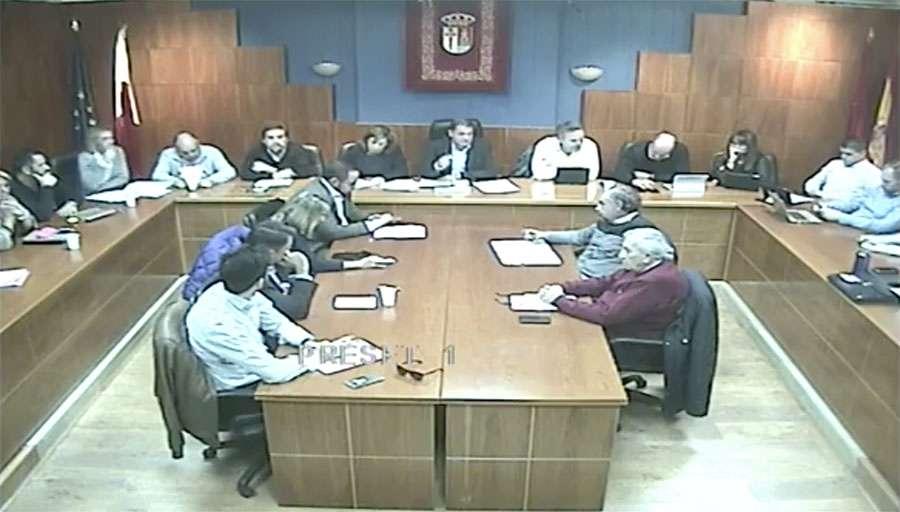 PP, Cs e IU, votan en contra de proyectos y mejoras para el municipio.
