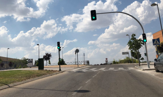 Instalados y operativos los semáforos de la Calle Juan Pablo II