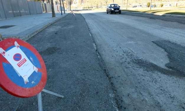 Asfaltado de la carretera de Berrocales, calles de Miramadrid y casco urbano.