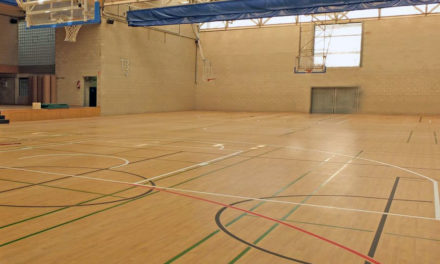 Nuevo pavimento del pabellón polideportivo municipal de Paracuellos