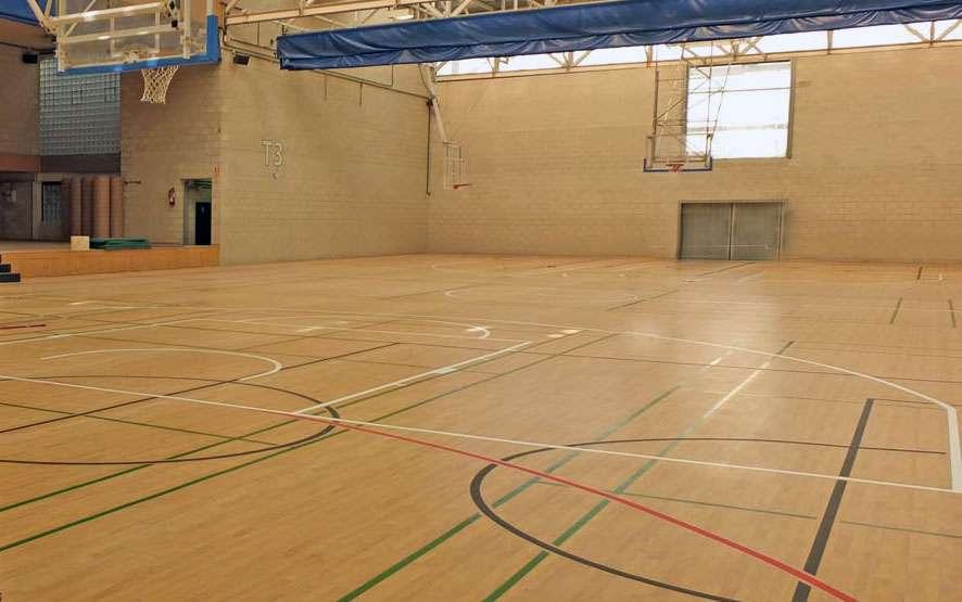 Nuevo pavimento del pabellón polideportivo municipal